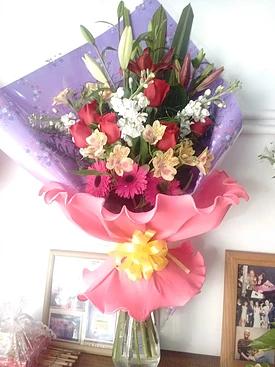 Ramo Beatriz realizado con flores de estacion